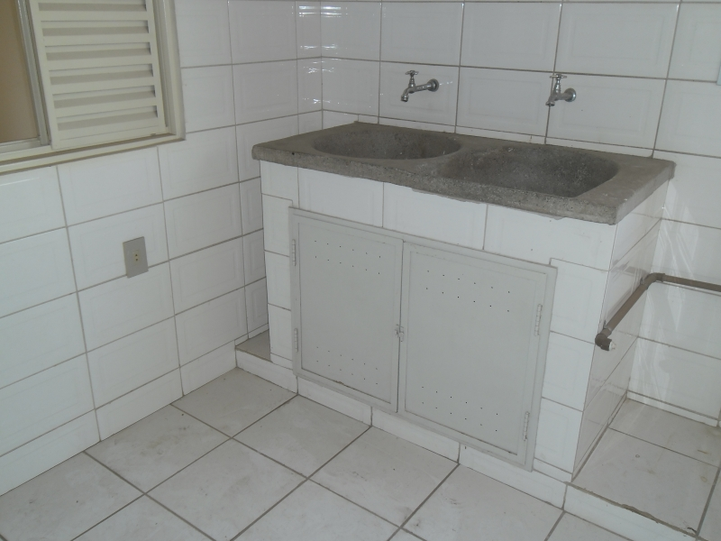 Sandra Reis Imóveis - Casa 4 Dorm, Centro, Lambari - Foto 17
